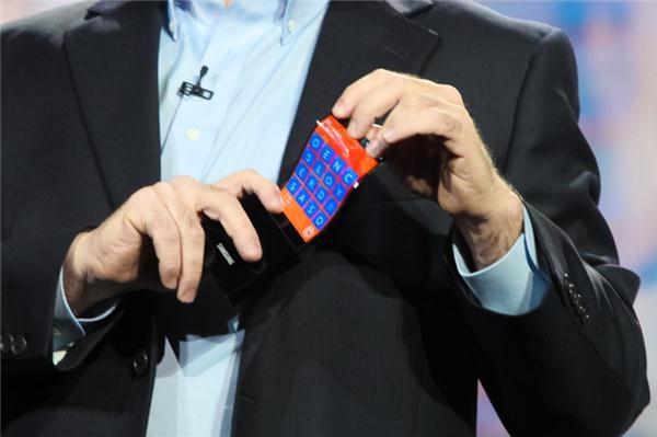 Samsung - Skrin OLED Fleksibel