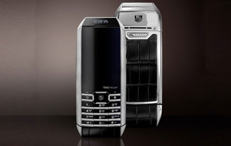 tag-heuer-solar-powered-phone-1-537x340