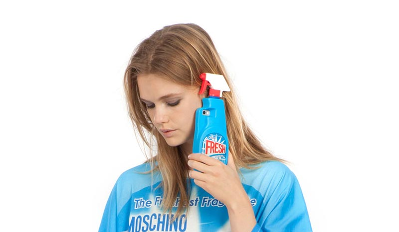 Moschino-Apple-iphone-1