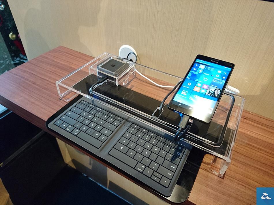 Microsoft Dock ContinuumDSC_0122