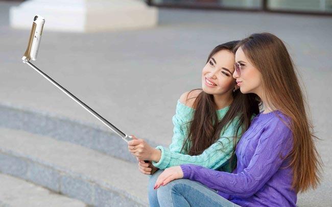 Flip It – Kerangka Tahan Lasak 4 Dalam 1 Dengan Kayu Selfie Terbina