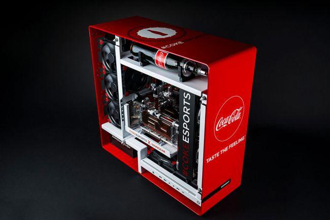 Kerangka PC Edisi Khas Coca Cola Ini Akan Membuatkan Anda Dahaga