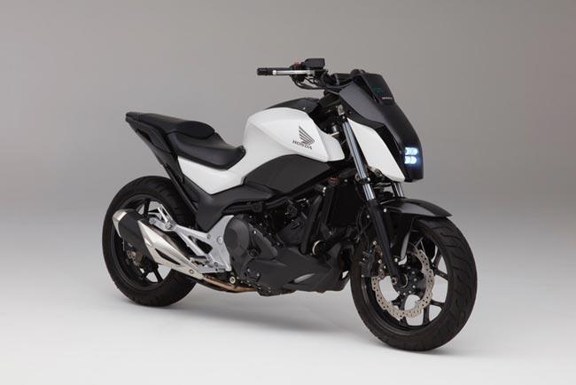 Honda Memperlihatkan Teknologi Tunggangan Dan Imbangan Automatik Untuk Motosikal