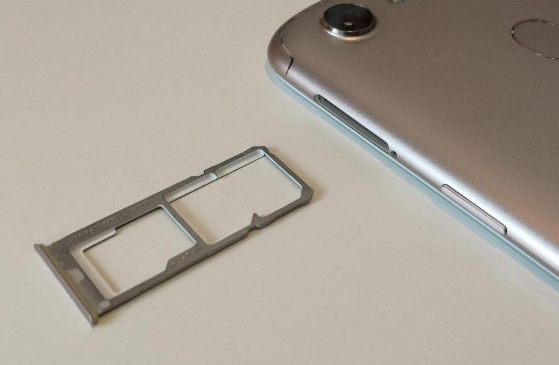 iPhone 2018 Dengan Dwi-SIM Mungkin Hanya Dipasarkan Di China
