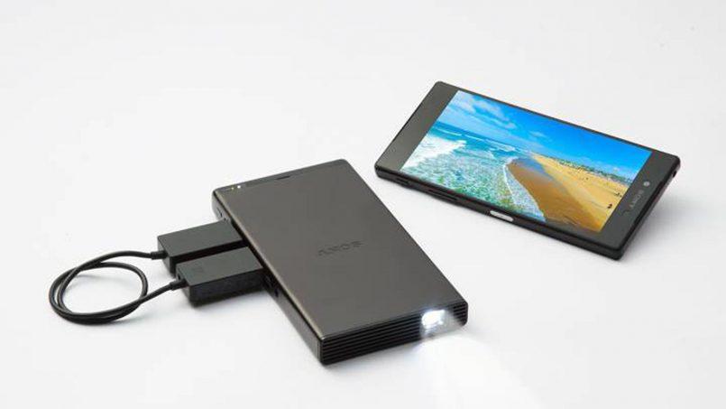 Sony Melancarkan Projektor Mini Dengan Kemampuan Pancaran Imej Sebesar 120 Inci