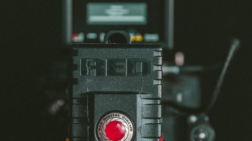 RED Dan Sharp Bekerjasama Untuk Pembangunan Teknologi Panel 8K