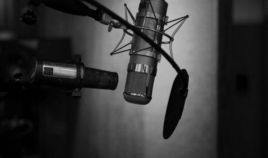 Apple Sedang Melihat Untuk Memperkenalkan Perkhidmatan Langganan Podcast Berbayar