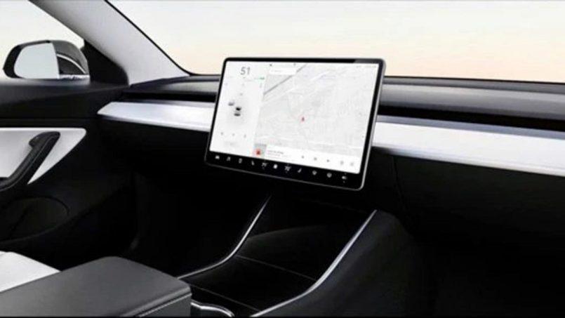 Tesla Memperlihatkan Rekaan Kereta Tanpa Stereng