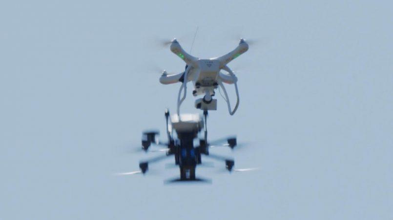 Dron Ini Direka Untuk Memusnahkan Dron Lain Dengan Pelanggaran Di Udara