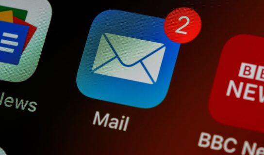 Bagaimana Mengubah Aplikasi Utama Untuk Emel Pada iPhone? – Menggantikan Mail Dengan GMail, Spark Atau Outlook