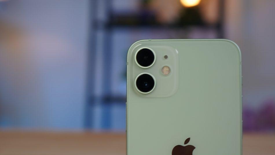 Pandang Pertama iPhone 12 Mini – Kompak Dan Segak – Amanz 7