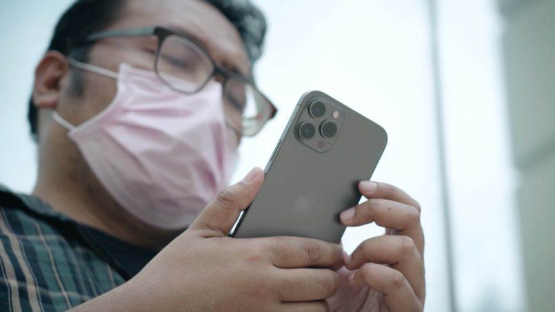 iPhone Pelitup Muka
