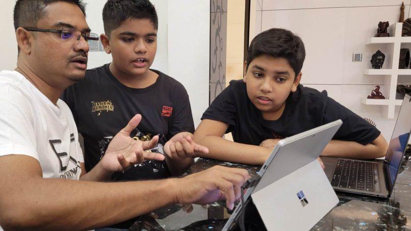 Pelajar Sekolah Belasan Tahun Mulakan Khidmat Edagang Jual Makanan – Kini Menjadi Duta Microsoft