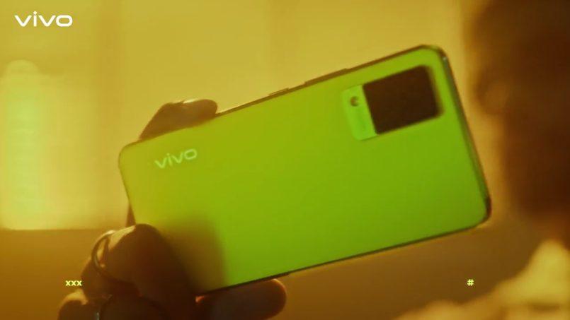 Vivo Mengacah V21 Dengan Warna Neon Spark Yang Menyala Dalam Gelap