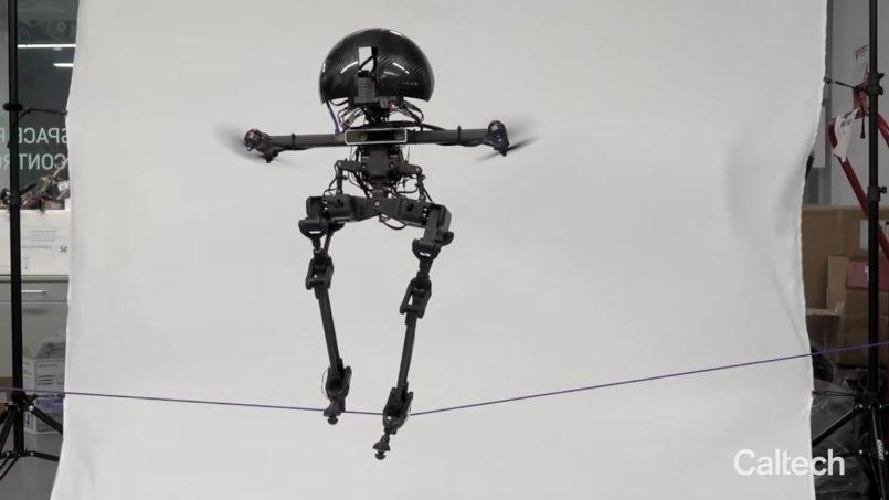 Robot LEONARDO Boleh Berjalan Di Atas Tali, Terbang Dan Menggunakan Papan Lungsur